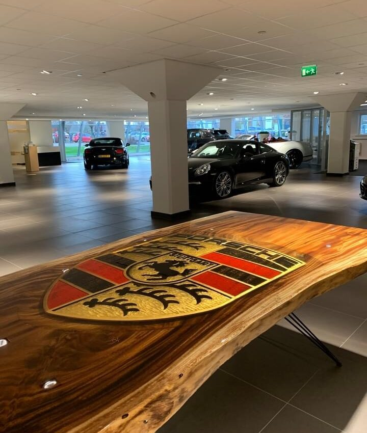Porsche-Table-11-Beeldhouwer-Jan-Carel-Koster.jpg