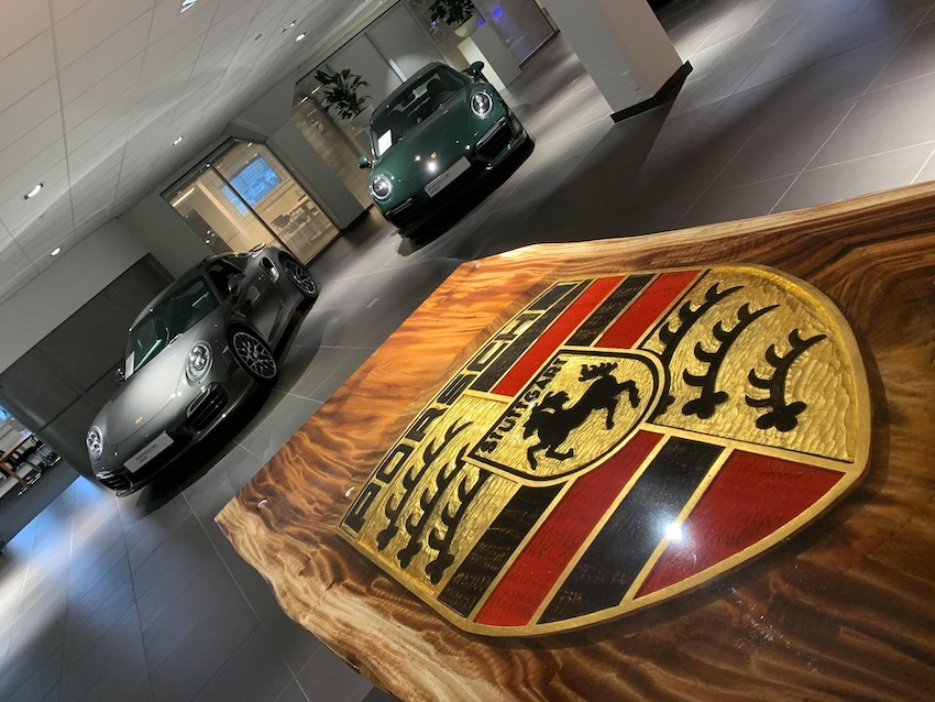 Porsche-Table-13-Beeldhouwer-Jan-Carel-Koster.jpg